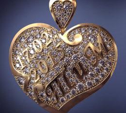 Золотой кулон именной на свадьбу с бриллиантами