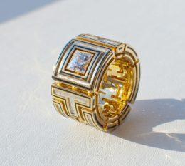 Мужской перстень с бриллиантом и эмалью