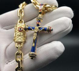 Крест и цепь